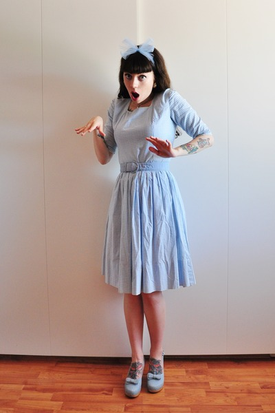 periwinkle 50s gingham vintage dress - periwinkle mimmi Swedish Hasbeens clogs