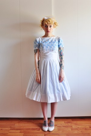 white 50s cotton vintage dress - white Nelly pumps