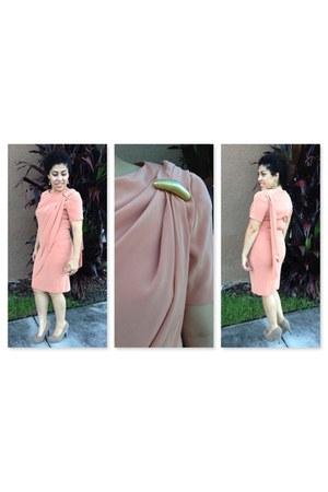 neutral peach Jones New York dress