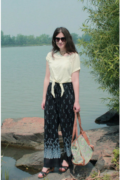 navy vintage pants - lime green bag - ivory Maison Simons t-shirt - Zara clogs