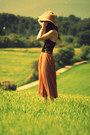 Bershka-hat-topshop-bodysuit-zara-skirt