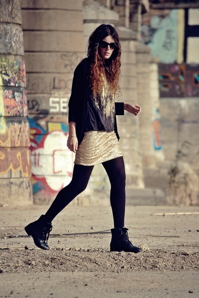 Love skirt - Forever 21 boots - Zara t-shirt - Mango glasses