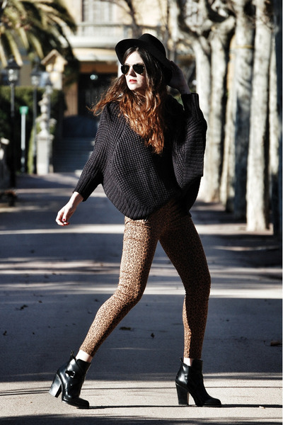 Pepe Jeans sweater - leather Zara boots - Forever 21 pants