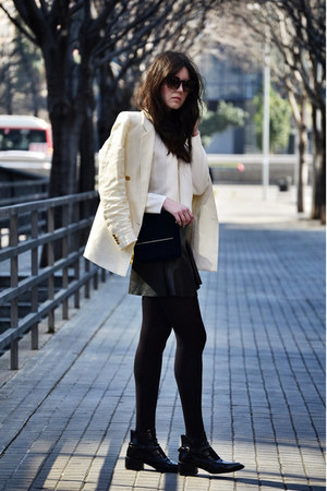 leather Zara boots - Mango blazer - Zara bag - Bottega Veneta sunglasses