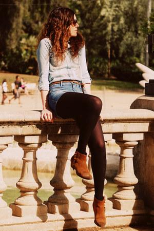 Mango boots - Primark shirt - Zara shorts