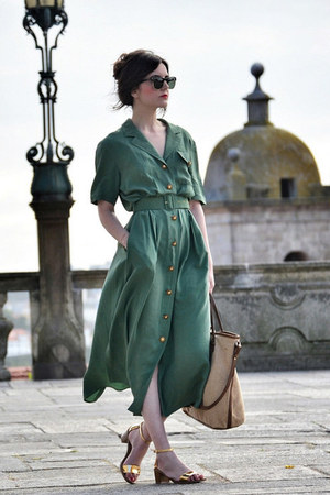 vintage dress - Zara shoes - Mango bag - Ray Ban sunglasses