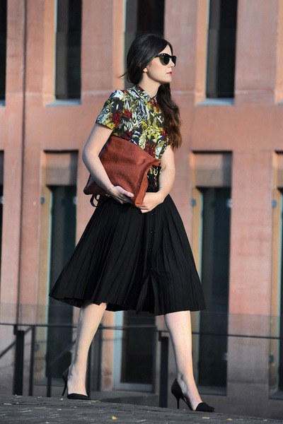Zara skirt - Maje shirt - Brussosa bag - Zara heels