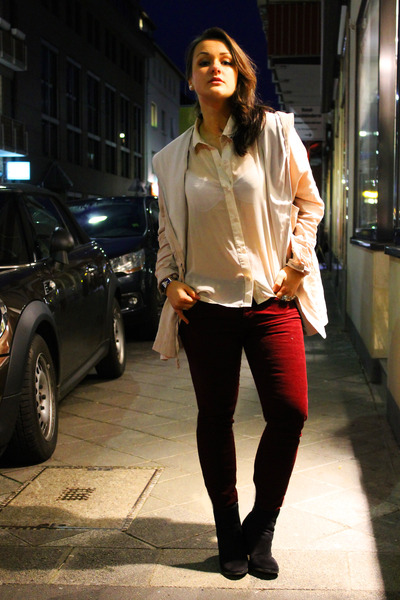 black H&M boots - beige terminal d coat - burgundy Zara jeans