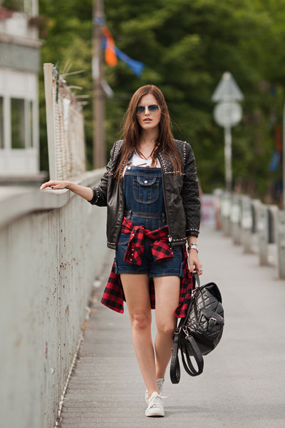 black Les Eclaires jacket - ruby red Les Eclaires shirt - navy OASAP jumper