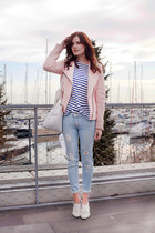 periwinkle Revolve jeans - light pink Stradivarius jacket