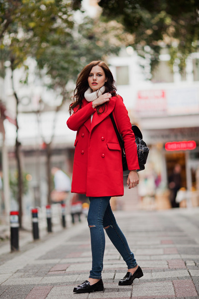 red Sheinside coat - black Chicwish jeans