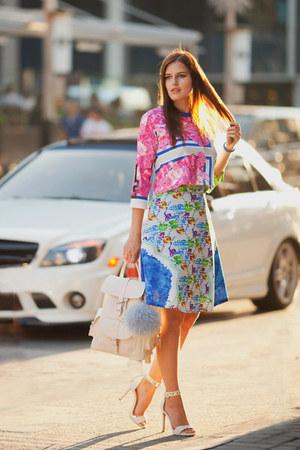 white Ziztar blouse - blue Ziztar skirt