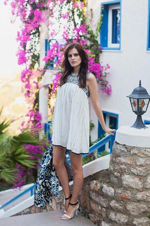 white Wildflowers shop dress