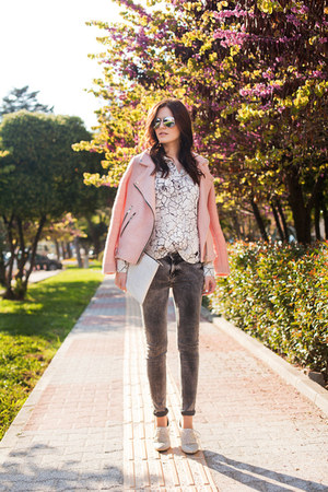 heather gray Bersh jeans - pink Stradivarius jacket - white Zara bag