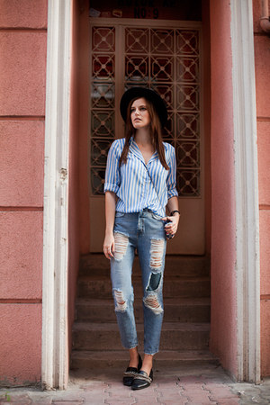 blue pull&bear jeans