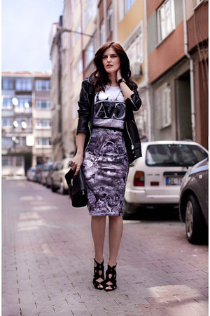 heather gray Poppy Lux skirt - white Mango t-shirt