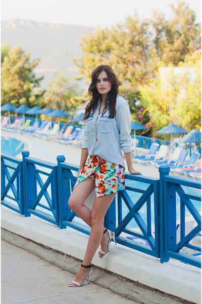 periwinkle Stradivarius shirt - white iclothing shorts