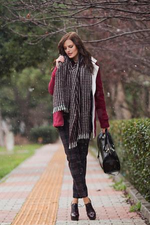 maroon OASAP coat - black Zara bag