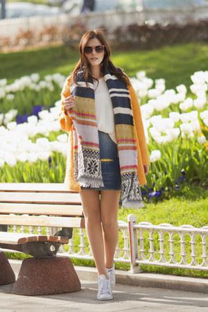 yellow Zara coat - navy Zara scarf