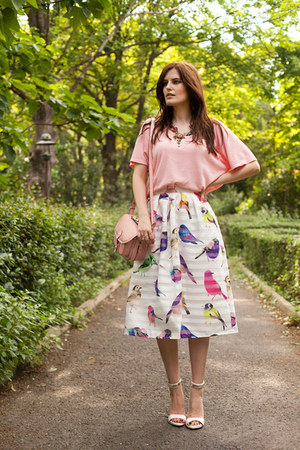 white Chicwish skirt - bubble gum Zara top