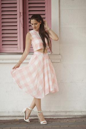 light pink Chicwish dress - white Mango sandals