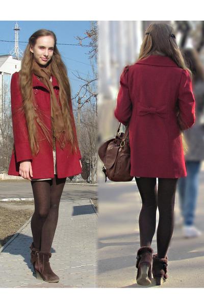 Brown Bershka Bags, Dark Brown Boots, Peach Forever 21 Dresses ...
