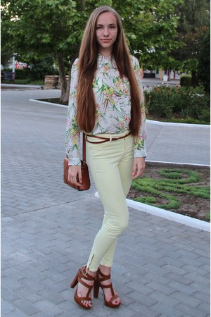 white Zara blouse - brown Accessorize bag - brown Stradivarius heels