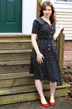 thrifted vintage dress - top - flats