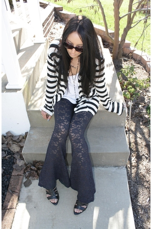 Bona Drag pants - Julies Closet - Forever 21 shoes - Missoni sunglasses