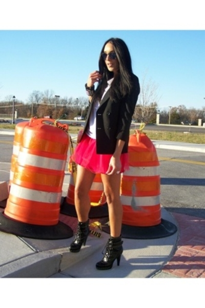 Tulle skirt - vintage blazer - Juicy Couture shirt - Rocawear shoes - Hot Topic