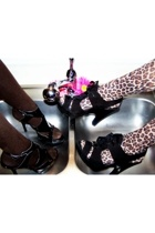 Animal Instincts and Heels in Sinks