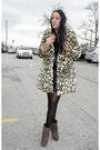 Vintage-coat-steve-madden-shoes-vintage-dress-elizabeth-james-accessorie