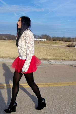 red tulle DIY skirt - wedge Hale Bob shoes - studded vintage jacket