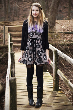 light pink Topshop dress - black vintage boots - black H&M sweater