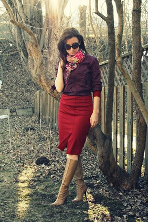 tan Aldo boots - maroon Jacob Connexion jacket - f21 scarf - ruby red asos skirt