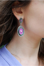 Light-purple-vintage-70s-earrings