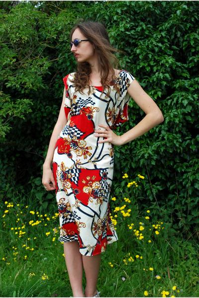 red Vintaholic dress