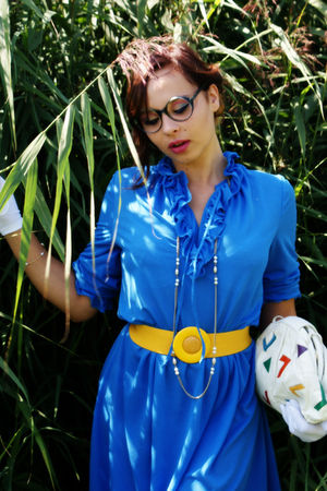 blue 70s vintage dress - white 60s vintage gloves - white 80s vintage - Sharif S