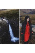 red zaful dress - black dresslily coat