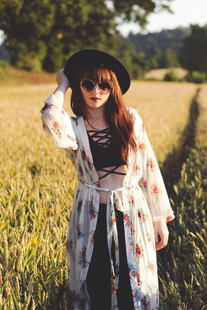 black blackgold zaful glasses - white floralprinted zaful cardigan