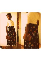 burnt orange pithon bag - navy floral print skirt - ivory t-shirt