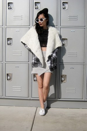 checkered coat Fiigirl coat - hoÉ beanie twice lux hat - Front Row Shop skirt