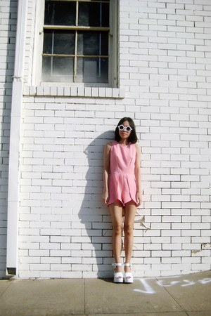 white 8980 zeroUV sunglasses - bubble gum inlovewithfashion bodysuit