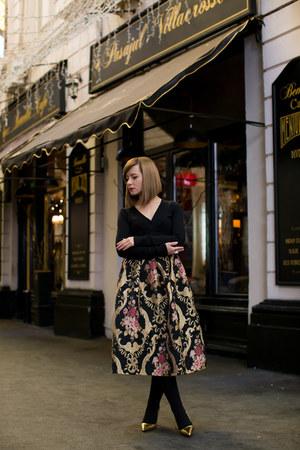 gold romwe skirt - gold Zara shoes - black Zara cape