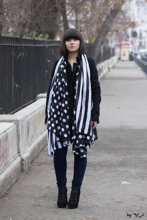 black Bershka scarf - navy Zara coat - navy Mango jeans