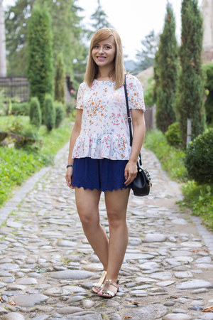 navy Zara shorts - white c&a blouse - off white Zara sandals