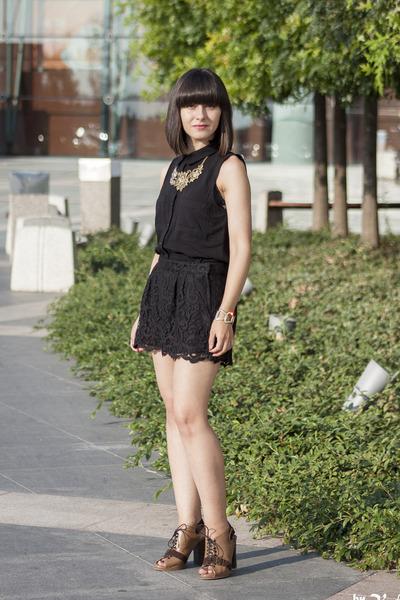 black H&M shorts - black H&M top - light brown new look sandals