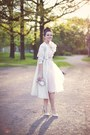 Light-pink-river-island-dress-ivory-h-m-coat-gold-carvela-heels