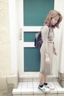 Beige-hugo-boss-dress-black-leather-pimkie-bag-new-balance-sneakers