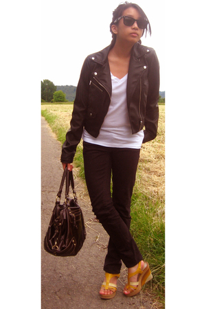 H&M jacket - Zara t-shirt - Tally Weijl jeans - Catwalk shoes - Ray Ban sunglass